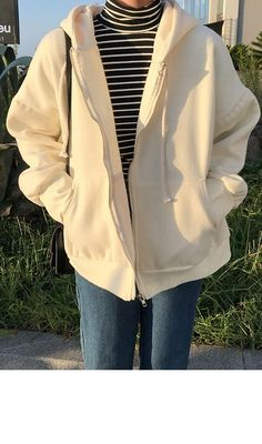 Kpop Fashion Outfits, Indie Outfits, Korean Outfits, Retro Outfits, Cute Casual Outfits, Mode Emo, Korean Girl Fashion, Sweatshirt Outfit, Mode Inspiration