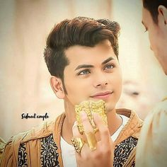 Aladdin Wallpaper, Mahesh Babu Wallpapers, Radha Kishan, Crush Pics, Latest Instagram, Actors, Gold, Die Hard, Jewelry