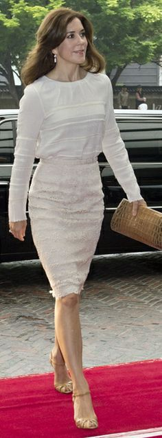 What Princess Mary Wore - clutch bag Aicha in naturel colored crocodile from www.carlend.dk