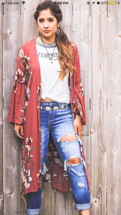 A graphic tee with a boho kimono is a look I'd like to try, as long as I don't l. - A graphic tee with a boho kimono is a look I'd like to try, as long as I don't look too much like a teenager Source by - Boho Outfits, Cowgirl Outfits, Country Outfits, Western Outfits, Fall Outfits, Casual Outfits, Cute Outfits, Fashion Outfits, Fashion Styles