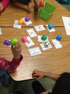 Tunstall's Teaching Tidbits: Distinguishing between sounds--Great activity to do when studying the five senses