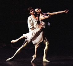 Roberto Bolle & Alessandra Ferri in Sir Kenneth MacMillan's Romeo and Juliet.  Photo credit unknown and a piece of most welcome information.
