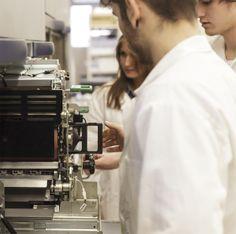 Regard sur l'Atelier Numérique de GOBELINS, l'école de l'image par Nicolas May, juin 2014 Chambre de commerce et d'industrie de région Paris Ile-de-france