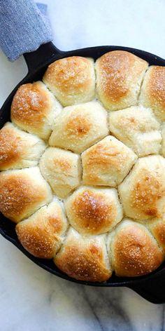 Skillet Dinner Rolls recipe via @rasamalaysia