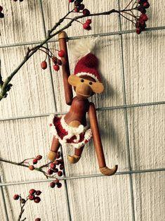 Christmas Crafts, Christmas Ornaments, Crochet Christmas, Rainy Days, Wood Crafts, Holiday Decor, Diy, Hygge, Ideas
