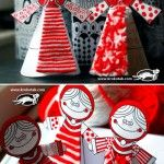 DIY these cute Red+and+White+PAPER+DOLLS by Krokotak We use them to make Little Red Ridinghood from the Little Girly one! With some coloring and the technique Krokotak provided with pieces of red-white yarn. Krokotak also has the designs to download on the bottom of the page, great huh? (*^ー゚)b