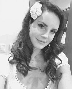 Lana Del Rey's selfie before her show in Mexico #LDR