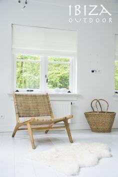 Leuke foto ontvangen van een klant in Den Haag die een van onze Ushuaia lounge stoelen met origineel rattan gekocht heeft, staat erg leuk op deze slaapkamer! Bij interesse graag even mailen naar ibizaoutdoor@gmail.com vr gr Mees