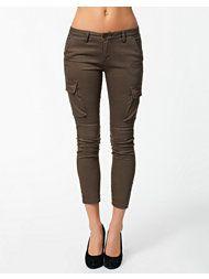 sale april 2014 Capri Pants, Shorts, Fashion, Capri Trousers, Moda, Fashion Styles, Fashion Illustrations, Chino Shorts, Short Shorts
