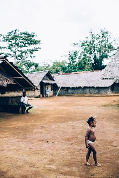Village Life Espiritu Santo, Vanuatu  Photo: Melissa Findley  ISLAND SPIRIT