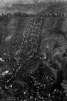 another master, Sebastião Salgado, old mine at Serra Pelada. State of Para, Brazil . 1986