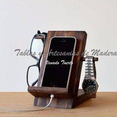 apoya celular madera - soporte smartphone Wood Phone Holder, Art Tutorial, Iphone Docking Station, Wooden Organizer, Smartphone, E Commerce, Ipad Stand, Diy Pallet Furniture, Gadget Gifts