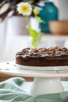 Kleiner Schoko Mud Cake - schokoladige Rezeptidee - 20cm Kuchen Chocolate Mud Cake, Kitchen Ornaments, Bright Kitchens, Food And Drink, Pudding, Sweets, Baking, Ethnic Recipes, Desserts