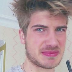 When someone you hate talks to you Famous Youtubers, Joey Graceffa, Perfect Boyfriend, Talking To You, When Someone, Hate, Best Friends, Celebrities, Funny