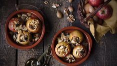 Pečená jablka s ořechy a medem Stuffed Mushrooms, Vegetables, Food, Stuff Mushrooms, Essen, Vegetable Recipes, Meals, Yemek, Veggies