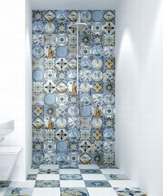 Monopole Antique Blue – Ceramic and mosaic tiles EU Bathroom Wall Tile, Diy Bathroom, Bathroom Tile Designs, Bathroom Interior, Bath Tile Design, Bathroom Decor, Mosaic, Bathroom Interior Design, Bathroom Design