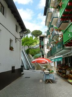 @harknesssj - @BrittanyFerries #ForAnyone a short boat ride from France and you can ride the outdoor escalators in Hondarribia