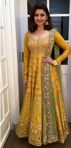 inarawedding: Wonderful yellow fashion trends ideas for 2019 Kitchen Yellow Angrakha Crayon 25 Best Mehndi Dresses For Pakistani Brides 20172018 Folder Silk Anarkali Suits, Anarkali Dress, Bridal Anarkali Suits, Indian Anarkali, Salwar Suits, Mode Bollywood, Bollywood Fashion, Indian Attire, Indian Wear