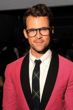 i am in love w/ Brad Goreski! he would soo be my boo if he had another sexual preference! guess i can just wish his style on my real boo Chicos Fashion, Mens Fashion, The Rachel Zoe Project, Beautiful Men, Beautiful People, Brad Goreski, Bravo Tv, Black Tie Affair, Hollywood Life