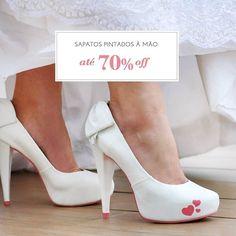 OMG!!! Os sapatos lindíssimos e pintados à mão do @studiolapupa estão com um SUPER DESCONTO!!!! Será que é o dia de encontrar o seu modelo dos sonhos?  Veja todos os modelos e tamanhos no site do Bazar Lapupa  http://ift.tt/2duVp5O