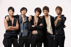 This kpop boy group is known under two names: TVXQ and DBSK. The group is managed by S. Entertainment and includes five members: Max Changmin, Micky Yoochun, U-Know Yunho, Xiah Junsu, and Hero Jaejoong. Best Kpop, K Pop Music, Korean Star, Korean Men, Sistar, Jaejoong, Backstreet Boys, Korean Music, Tvxq