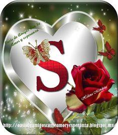 Iniciales en un hermoso corazón con una rosa y mariposas