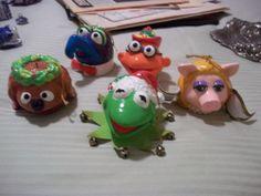 Lot of (5) Henson Assoc. 1979 Muppets paper mache ornaments Kermit Miss Piggy