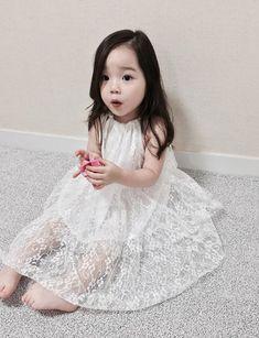 Casi listas para la boda de @ppteamRafa y @Raizarebelles Cute Asian Babies, Korean Babies, Cute Babies, Cute Little Baby, Cute Baby Girl, Little Babies, Outfits Niños, Kids Outfits, Fashion Kids