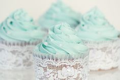 blue lace cupcakes love the blue color! Blue Wedding Cupcakes, Lace Cupcakes, Flower Cupcakes, Fun Cupcakes, Birthday Cupcakes, Green Cupcakes, Wedding Blue, Dream Wedding, Cupcake In A Cup