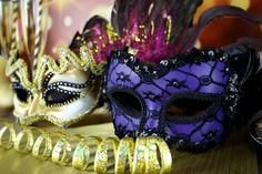 blog.partydelights.co.uk wp-content uploads 2015 12 what-to-wear-to-a-masquerade-party-1050x700.jpg