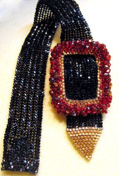 This not by Sharon A. Kyser.  Gwen Lane and Donna Plunkett Mercer Bagwell Mercer created this in 2007.  It was seen at the bead shops in Georgia as we were wearing it and copied.  SO RUDE!!!!!!!