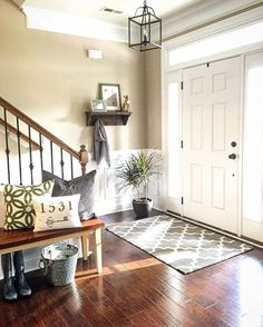 "154 Likes, 14 Comments - Jessica (@decoratingaddict) on Instagram: ""I'm sharing my #entryway for this week's #theighomeproject and #springintoeaster! I found my new…"""