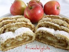 Romanian Food, Romanian Recipes, Mini Cheesecakes, Strudel, Apple Pie, Food And Drink, Cooking Recipes, Yummy Food, Treats