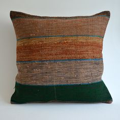 Sukan / Modern Bohemian Throw Pillow. Handwoven Wool Vintage Tribal Turkish Kilim Pillow Cover.