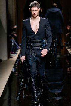 Balmain fall 2016 menswear fashion show balmain man, balmain homme, balmain Fashion Week, Runway Fashion, High Fashion, Fashion Show, Fashion Outfits, Fashion Design, Fashion Trends, Men's Fashion, Fashion Blogs