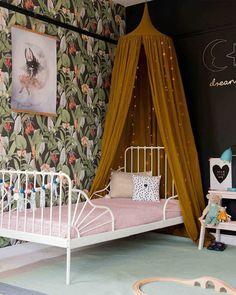 Today on kidsinteriors.com //ROOMTOUR// Nicole's Magical Garden-Inspired Room (Link in bio) #kidsinteriors_com - - - - #kidsinteriors #kidsinterior #kidsroom #childrensroom #barnrum #kinderkamer #kinderzimmer #girlsroom #interiordesign #interiordesigners #chambreenfant #girlsdecor #kidsdecor #decorforkids #childrensdecor #kidsinteriordesign #kidsroominspo #habitacioninfantil #barnrum #barnerom #barnrumsinspo #ministil #kidsstyle #kidsinspo #instakids #instadecor