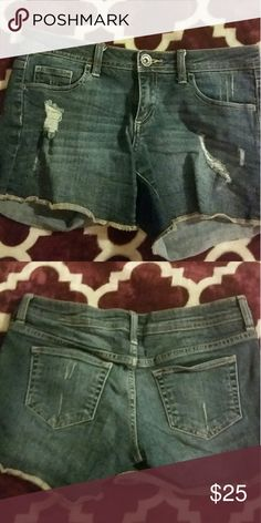 Areopostal shorts Areopostal shorts size 5/6 like new condition worn twice.  Make any offer everything must go. Aeropostale Shorts
