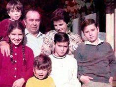 Eike, na infância, com os irmãos e o pai, Eliezer Batista.