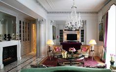 Смотрите сейчас на сайте более 5000 фото лучших интерьеров. Dontname.com. Белые стены в гостиной интерьер.
