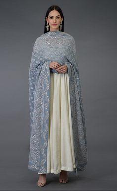 Women fashion Formal - - Women fashion Fall Outfits - - Women fashion Over 50 Boho Indian Look, Indian Ethnic Wear, Ethnic Outfits, Trendy Outfits, Fall Outfits, Indian Wedding Outfits, Indian Outfits, Ethnic Fashion, Indian Fashion