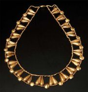 NECKLACE gold formed forty teardrop pearls mounted with numerous small cylindrical beads and other domed circular. Egypt, New Kingdom, Dynasty XVIII.