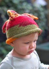 Free knitting a crochet patterns for baby gifts and baby items. #knitting #crochet #diy #baby