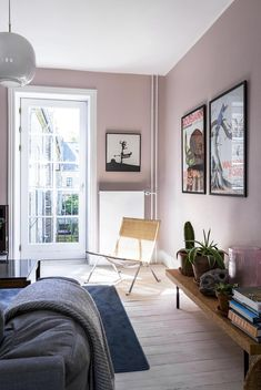 30 Incredibly Charming Pink Living Room Design Ideas - Home Bigger Home Wall Colour, Interior Wall Colors, Bedroom Wall Colors, Interior Walls, Home Decor Bedroom, Living Room Decor, Interior Design, Pink Bedroom Walls, Color Walls