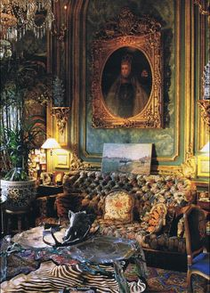 Nether Lypiatt Manor, Gloucestershire: Prince and Princess Michael of Kent Victorian Parlor, Victorian Decor, Victorian Homes, Interior Architecture, Interior And Exterior, Home Goods Decor, Home Decor, Victorian Interiors, Interior Decorating
