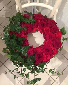 Another customer order Red Wreath Christmas Love, Christmas Wreaths, Christmas Crafts, Floral Bouquets, Floral Wreath, Homemade Wreaths, How To Make Wreaths, Diy Wreath, Flower Designs