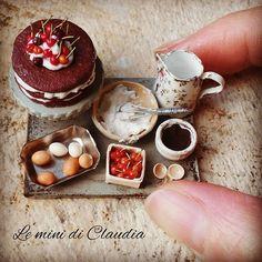 Chocolate cake with cherries #miniaturefood #dollhouseminiatures #leminidiclaudia