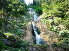 #turism #romania #cascadacailor #maramures Cascada Cailor din Muntii Rodnei, un loc plin de mistere si legende. De ce este considerat locul poarta intre doua lumi. Doar in Romania.