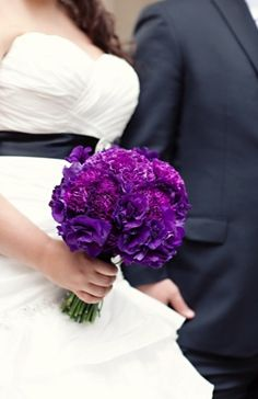 purple is the perfect color this year. especially with this purple bouquet