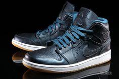"""Air Jordan 1 Mid Nouveau """"Space Blue""""   Air 23"""