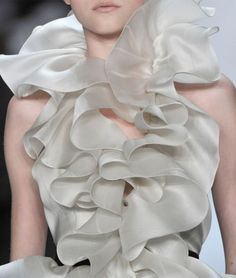 ruffles fashon | 1000+ images about RUFFLED COUTURE on Pinterest | Christian dior ...